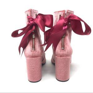 ROBERT CLERGERIE Paris pink velvet ankle booties